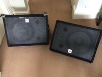 The Box - 2speakers / 2 monitors