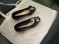 Black patent court shoes size 5triple e fitting