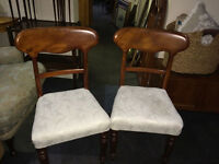 Attractive Pair of Victorian Mahogany Balloon Back Antique Dining/Side Chairs