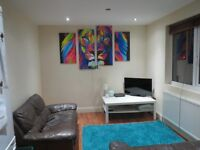 SMALL DB ROOM £424 INCLUDING BILLS