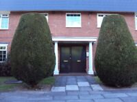 APARTMENT IN WOOLTON. 1 BEDROOM, UNFURNISHED, 2nd FLOOR, RENOVATED THROUGHOUT, PARKING.