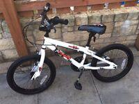 """Boys 18"""" Apollo Force bike"""