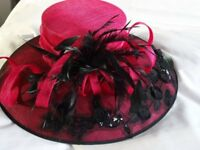Capelli Condici Beautiful Mother of the Bride/Groom Hat. Bright Cerise & Black.As New
