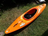 Dagger RPM MAX kayak (Large), great condition, 2 x Buoyancy bags