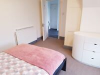 252 UXBRIDGE ROAD Large spacious Double room for couples rent all bills included (HA54HS)