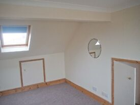 Large double bedroom in shared house in Shoreham, available next week.