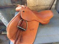 Shires Optimus adjustable saddle