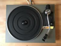 Technics SL 20 Turntable