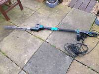 Extending hedge trimmer