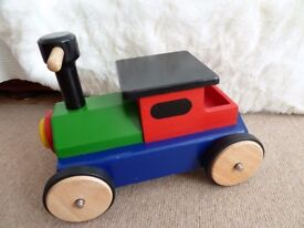 Wooden Solid Sit on Train