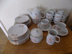 30 plus piece coffee/tea set