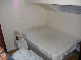 Bright Clean Fully Furnished Room for Full-Time Student near Universities