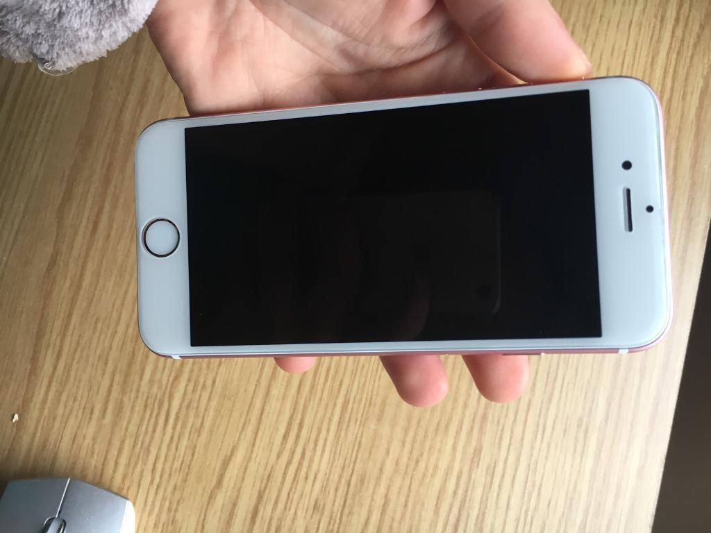 Iphone 6S Gold Rosein Farnham, SurreyGumtree - Iphone 6S Gold Rose64 GbLocked on VodafoneVery good conditionIf you are interested,please write me on chat!!