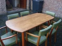 Dinning Room Table & 6 Chairs in Great Condition