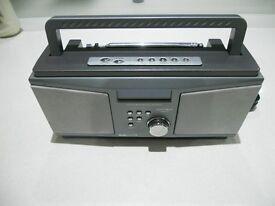 A MATSUI PORTABLE DAB / FM RADIO – MAINS or BATTERY