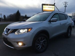 2016 Nissan Rogue SL Premium Loaded ! AWD with NAV and Panora...