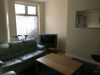 Large room, new bed,good for couple, close to Uni and hospital. Refurbished house. Start from £99p/w