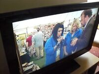 "Panasonic HD Ready 32"" LCD TV with built-in Freeview"