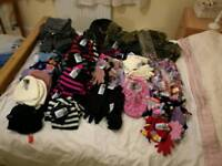 Hat's, scarfs, gloves NEW! Money to be made!