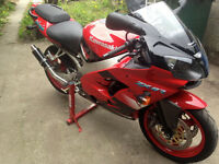Low mileage (3129) original ZX9R (Red)