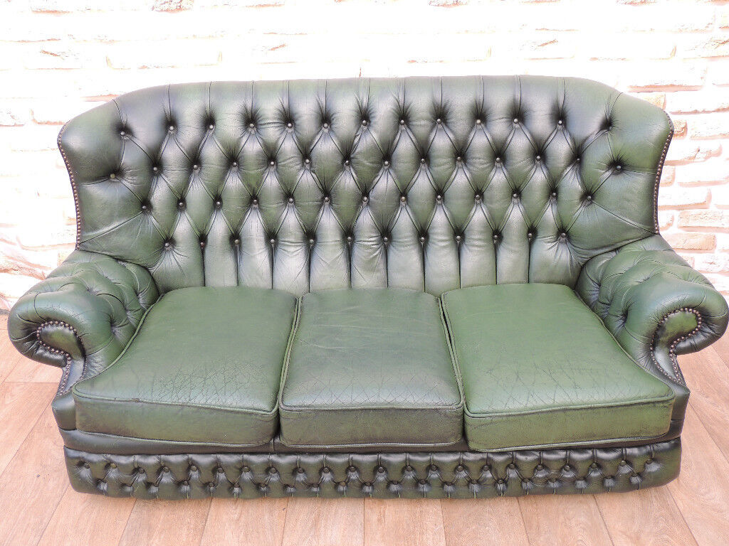 Chesterfield Antique Green High Back Sofa (Delivery possible)