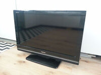 TOSHIBA 32 INCH WIDESCREEN FREE VIEW DIGITAL HD READY LCD TV WITH REMOTE AND STAND **BARGAIN**