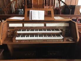 Organ Viscount DX 900