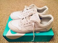 Boxed: Men's Nike SB Delta Force Pure White Size 9 Leather Trainers £30 (RRP£47.99)