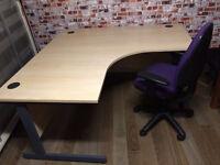 Large L shape desks, excellent condition