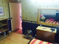 Nice double room to let in Rainham east London, rent £400