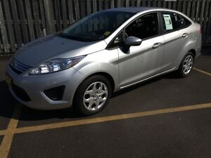 2012 Ford Fiesta SE, Automatic