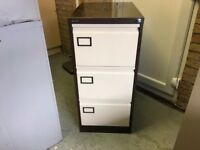 ESCOLINE 3 DRAW STEEL FILING CABINET