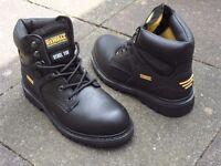 Dewalt safety boots