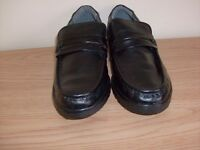 Mens black shoes new size small 9.