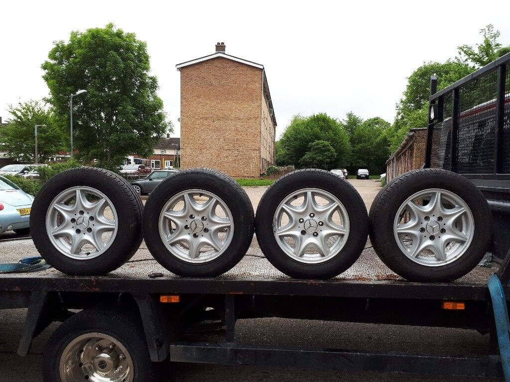 MERCEDES C. 200 ALLOY WHEELS AND TIRES. 195/65 R15. 91 H.