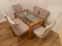 DINING TABLE WITH 6 CHAIRS. In EXCELLENT condition!!