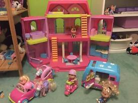 ELC DOLLS HOUSE WITH ACCESIRIES