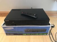 Samsung DVD Player and VCR Video Cassette Recorder Combo. 2 in 1