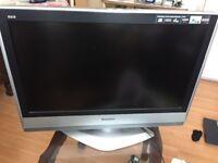 "Panasonic 32"" LCD TV HD"