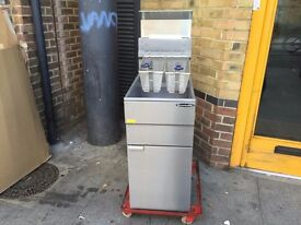 CATERING COMMERCIAL NEW GAS FRYER LPG OR NAT GAS ,CAFE CHICKEN RESTAURANT FAST FOOD KITCHEN