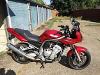 Yamaha fzs 1000 red