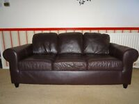Matching leather 2 & 3 seater sofas