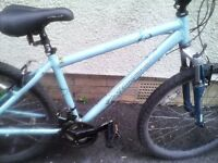 APOLLO XC26 LADIES MOUNTAIN BIKE,17 INCH FRAME,26 INCH WHEELS,18 GEARS,GOOD CONDITION
