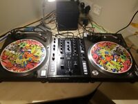 2 x Technics 1210s mk2 with NI Z2 mixer