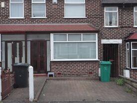 "2 Bedroom ""Recently Refurbished - New kitchen, New Boiler, New Carpet"" £625 Pm"