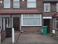 "2 Bedroom ""Recently Refurbished - New kitchen, New Boiler, New Carpet"" £625 Pm"