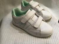 Donnay White Trainers size 12
