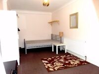 Lovely Large Studio To Let *** MUST SEE*** ALL BILLS INC! Available NOW!!!