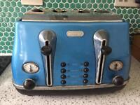 Delonghi turquoise teal 4 slice toaster