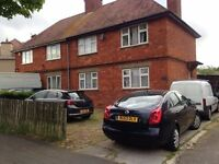 VERY LARGE DOUBLE ROOM TO RENT- IMMEDIATELY